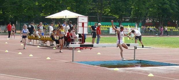 Şase medalii pentru atleţii maramureşeni, juniori III