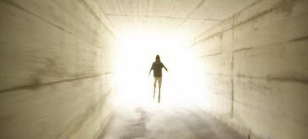 Ce se întâmplă în momentul morţii? Răspunsul unui psihiatru care a petrecut mult timp alături de muribunzi: ,,Este un moment sacru''
