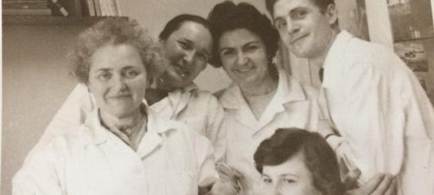 Cum a apărut Polidin, vaccinul care a ținut România sănătoasă. Și cum a dispărut deodată de pe piață