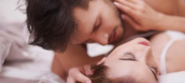 Cum explică psihologii relaţiile femeilor cu mai mulţi parteneri