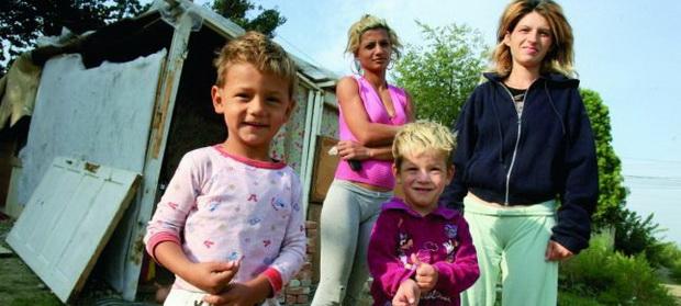 Cum a ajuns România ţara asistaţilor sociali şi a celor care fug de muncă