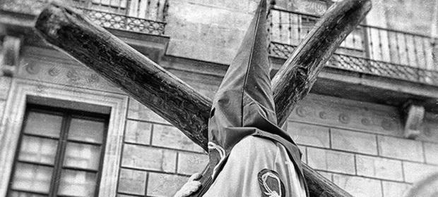 Internetul celor care urăsc restul lumii: unde se ascund rasiştii şi naziştii zilelor noastre