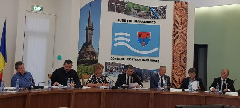 Moment de reculegere în memoria maestrului Dumitru Fărcaș, în debutul ședinței extraordinare de Consiliu Județean