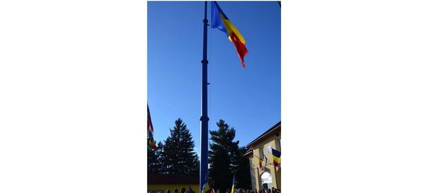 În Tăuții Măgherăuș a fost inagurat cel mai înalt catarg din Transilvania