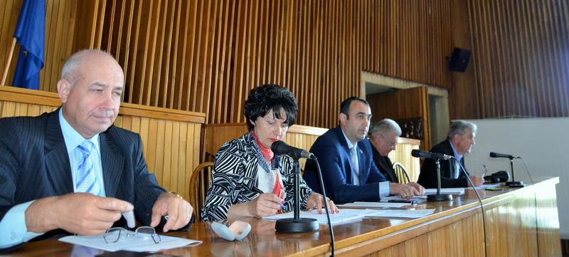 Control de legalitate exercitat la peste 8000 acte administrative în primul trimestru al anului