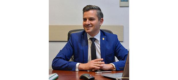 """Cosmin Butuza: """"Ministerul Tineretului și Sportului a alocat 500.000 de lei pentru realizarea sistemului de iluminat la Sala Sporturilor"""""""