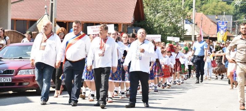 """A avut loc a III-a ediție a Festivalului Internațional de Etnografie și Folclor """"Huțulii"""""""