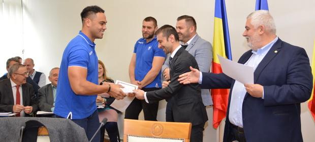 Diplome oferite de Consiliul Județean pentru Campioana României la rugby, CSM Știința Baia Mare