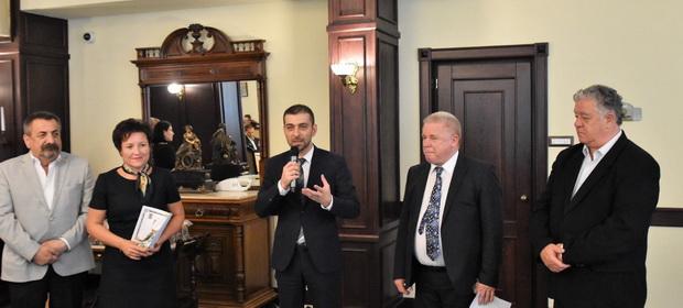 """""""Gala Medicilor din spitalele subordonate Consiliului Județean Maramureș"""" – un eveniment dedicat medicilor intrați și ieșiți din sistem în ultimii ani"""