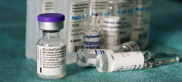 O singură doză de vaccin Pfizer nu protejează împotriva noilor tulpini de coronavirus – studiu