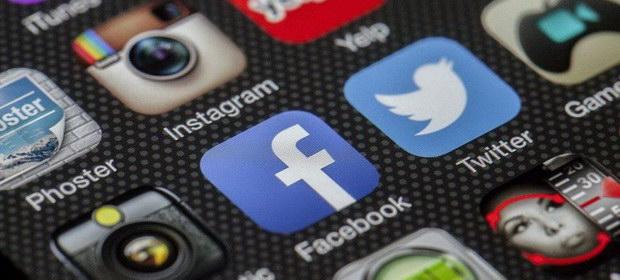 Schimbare importantă pe rețelele de socializare. Reclamele pentru copii şi adolescenţi vor fi restricționate